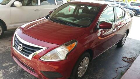2018 Nissan Versa for sale at Global Motors in Hialeah FL