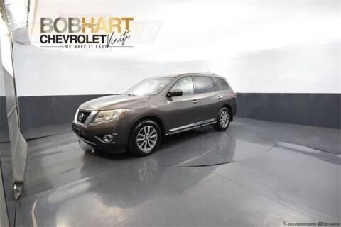 2015 Nissan Pathfinder for sale at BOB HART CHEVROLET in Vinita OK