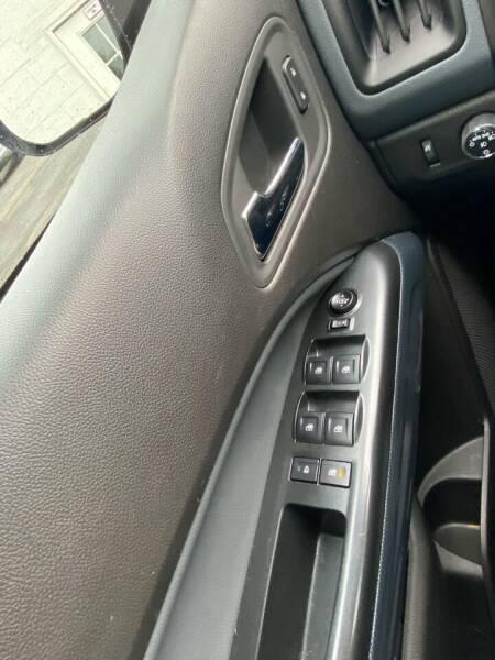 2016 Chevrolet Colorado 4x4 Z71 4dr Crew Cab 5 ft. SB - Westfield MA