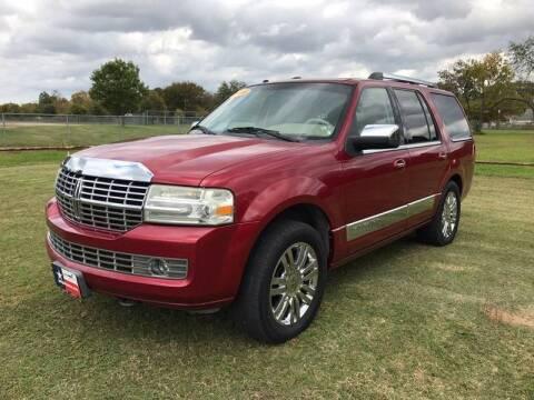 2008 Lincoln Navigator for sale at LA PULGA DE AUTOS in Dallas TX
