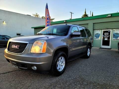 2007 GMC Yukon for sale at Stark Auto Sales in Modesto CA