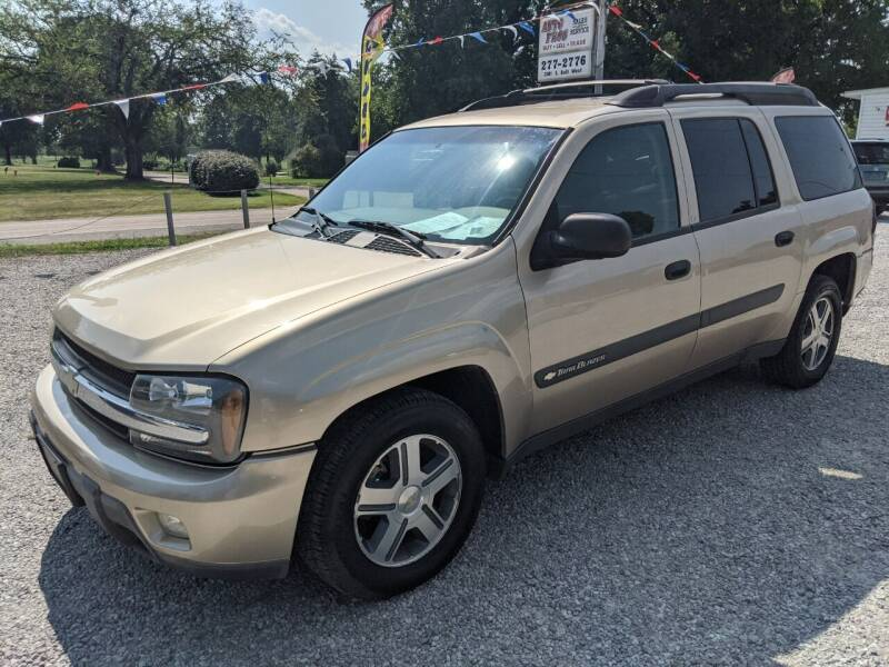 2004 Chevrolet TrailBlazer EXT for sale at AUTO PROS SALES AND SERVICE in Belleville IL
