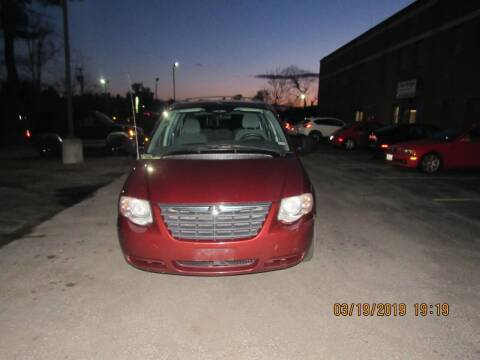 2007 Chrysler Town and Country for sale at Heritage Truck and Auto Inc. in Londonderry NH