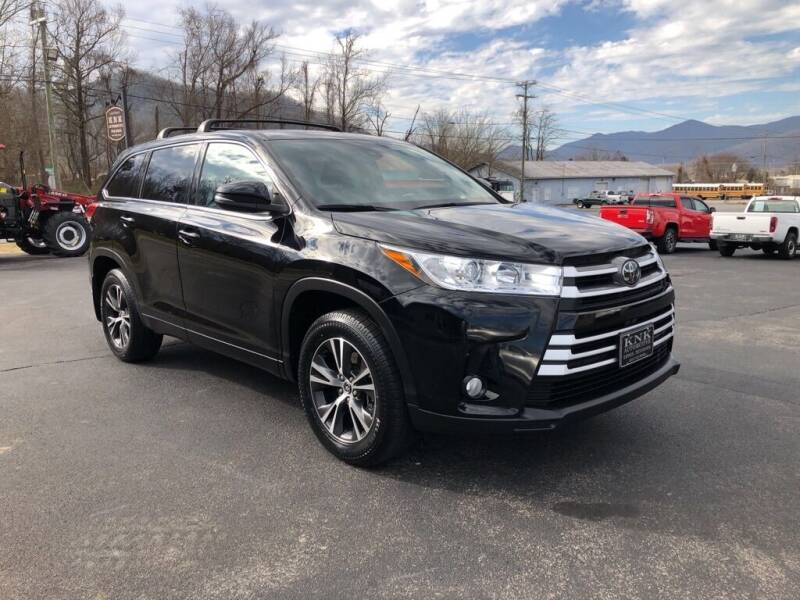 2018 Toyota Highlander for sale at KNK AUTOMOTIVE in Erwin TN