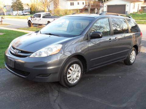 2008 Toyota Sienna for sale at GLOBAL AUTOMOTIVE in Gages Lake IL