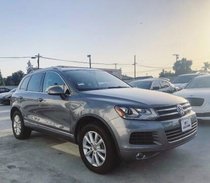 2014 Volkswagen Touareg for sale at Fastrack Auto Inc in Rosemead CA