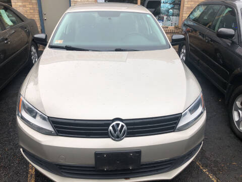 2012 Volkswagen Jetta for sale at Whiting Motors in Plainville CT