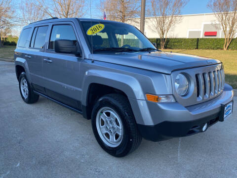 2016 Jeep Patriot for sale at UNITED AUTO WHOLESALERS LLC in Portsmouth VA