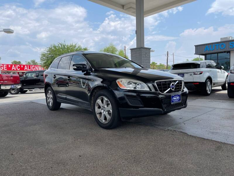 2013 Volvo XC60 for sale at TANQUE VERDE MOTORS in Tucson AZ