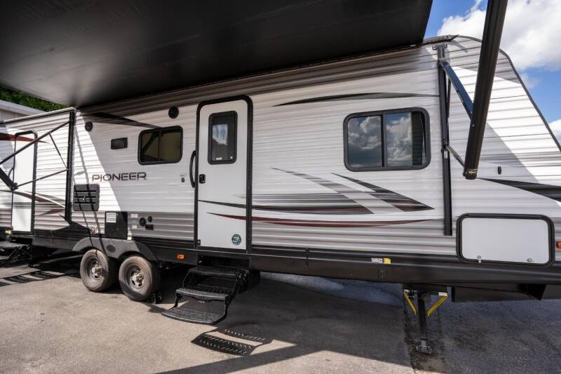 2019 Heartland Pioneer BH270 for sale at Big Frog Auto in Cleveland TN