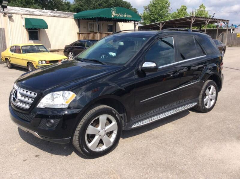 2010 Mercedes-Benz M-Class for sale at OASIS PARK & SELL in Spring TX