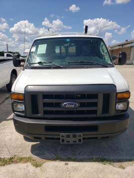 2014 Ford E-Series Cargo for sale at RIVERCITYAUTOFINANCE.COM in New Braunfels TX