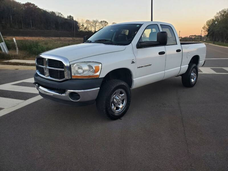 2006 Dodge Ram Pickup 2500 for sale at Tennessee Valley Wholesale Autos LLC in Huntsville AL