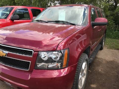 2007 Chevrolet Suburban for sale at BARNES AUTO SALES in Mandan ND