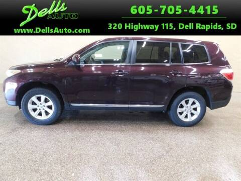 2013 Toyota Highlander for sale at Dells Auto in Dell Rapids SD
