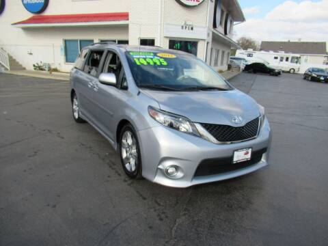 2013 Toyota Sienna for sale at Auto Land Inc in Crest Hill IL