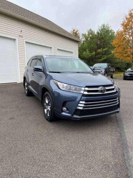 2018 Toyota Highlander for sale at Interstate Fleet Inc. Auto Sales in Colmar PA