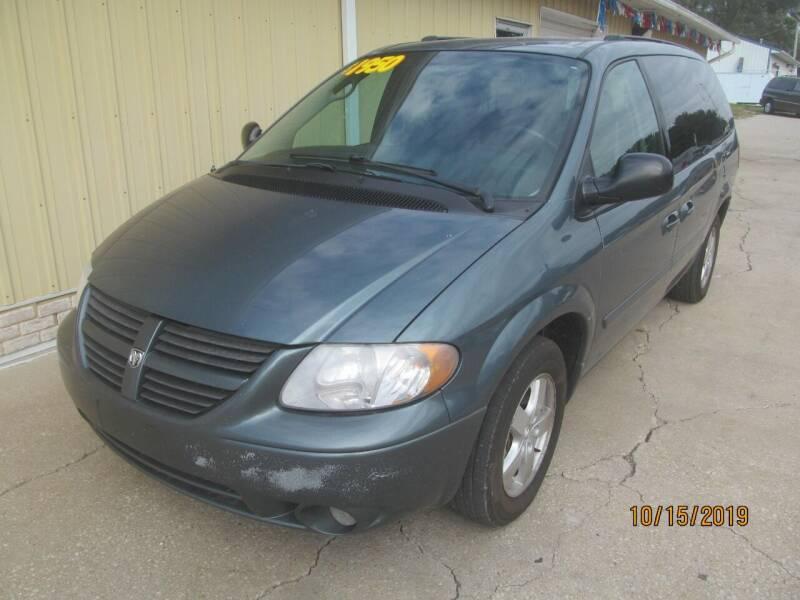 2005 Dodge Grand Caravan for sale at LINCOLN WAY MOTORS LLC in Cedar Rapids IA