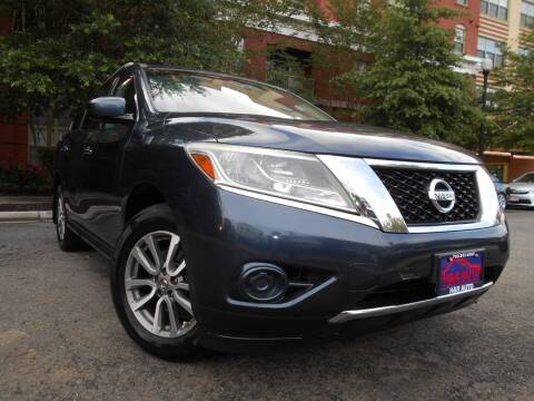 2013 Nissan Pathfinder for sale at H & R Auto in Arlington VA