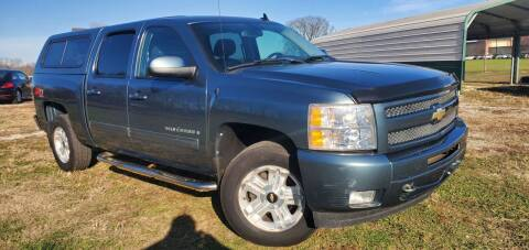 2009 Chevrolet Silverado 1500 for sale at Sinclair Auto Inc. in Pendleton IN