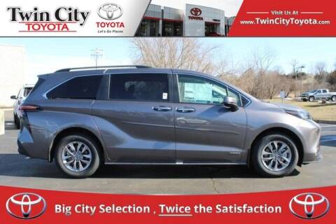 2021 Toyota Sienna for sale at Twin City Toyota in Herculaneum MO