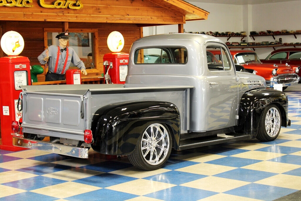 1951 Ford F-100 9