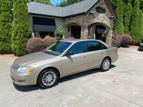 2000 Toyota Avalon for sale at Hoyle Auto Sales in Taylorsville NC