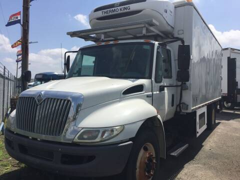 2009 International DuraStar 4300 for sale at BSA Used Cars in Pasadena TX
