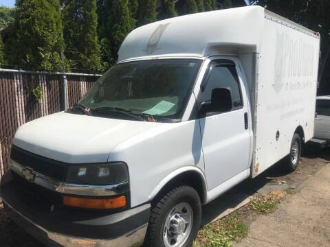 2007 Chevrolet Express Cutaway for sale at Chuck Wise Motors in Portland OR