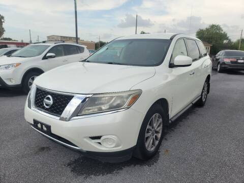 2015 Nissan Pathfinder for sale at Mid Valley Motors in La Feria TX