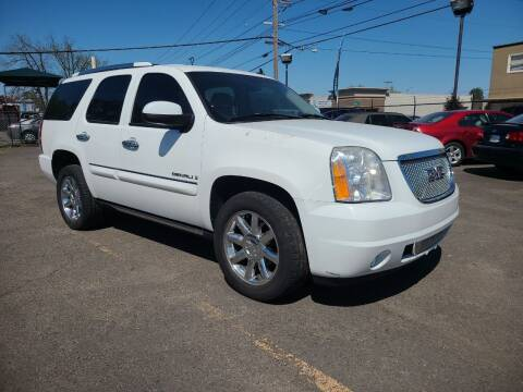 2007 GMC Yukon for sale at Universal Auto Sales in Salem OR