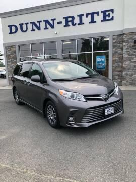 2020 Toyota Sienna for sale at Dunn-Rite Auto Group in Kilmarnock VA