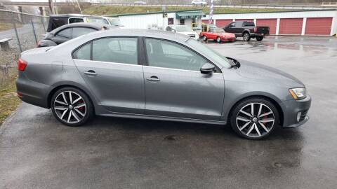 2013 Volkswagen Jetta for sale at Green Tree Motors in Elizabethton TN