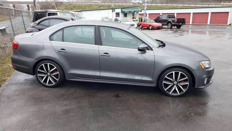 2013 Volkswagen Jetta for sale at Green Tree Motors in Elizabethton TN