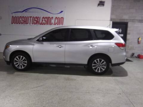 2014 Nissan Pathfinder for sale at DOUG'S AUTO SALES INC in Pleasant View TN