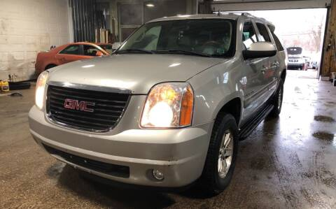 2007 GMC Yukon XL for sale at Six Brothers Auto Sales in Youngstown OH