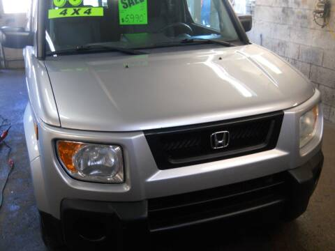 2006 Honda Element for sale at Shaw Motor Sales in Kalkaska MI