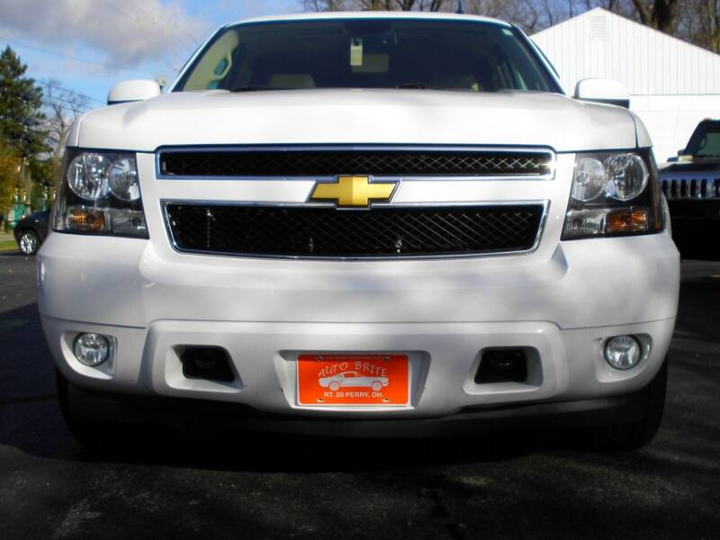 2012 Chevrolet Suburban 4x4 LT 1500 4dr SUV - Perry OH