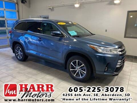 2019 Toyota Highlander for sale at Harr Motors Bargain Center in Aberdeen SD