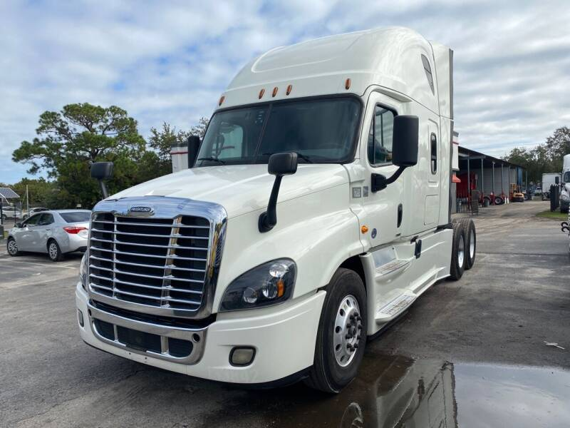 2017 Freightliner Cascadia for sale at The Auto Market Sales & Services Inc. in Orlando FL