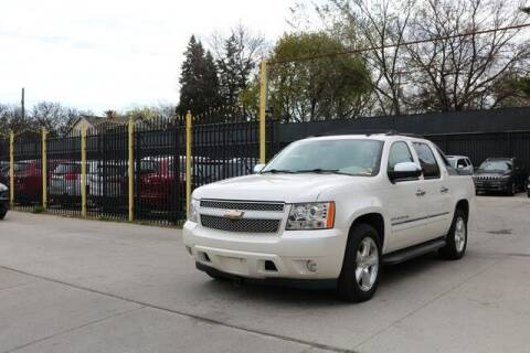 2009 Chevrolet Avalanche for sale at F & M AUTO SALES in Detroit MI
