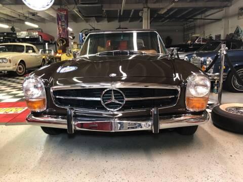 1970 Mercedes-Benz 280 SL Class for sale at Berliner Classic Motorcars Inc in Dania Beach FL
