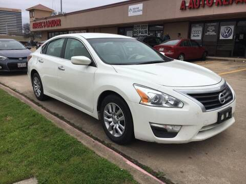 2013 Nissan Altima for sale at GOOLDCAR in Plano TX