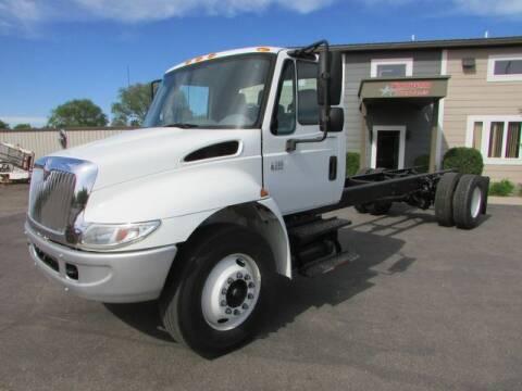 2006 International DuraStar 4300 for sale at NorthStar Truck Sales in Saint Cloud MN