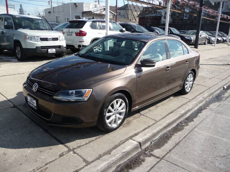 2014 Volkswagen Jetta for sale at Car Center in Chicago IL
