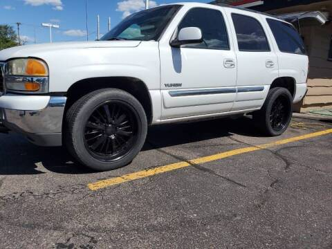 2004 GMC Yukon for sale at Geareys Auto Sales of Sioux Falls, LLC in Sioux Falls SD