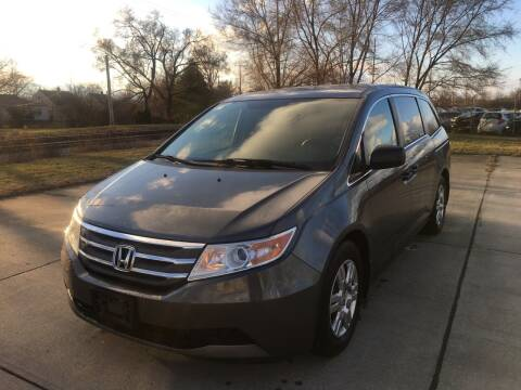 2011 Honda Odyssey for sale at Mr. Auto in Hamilton OH