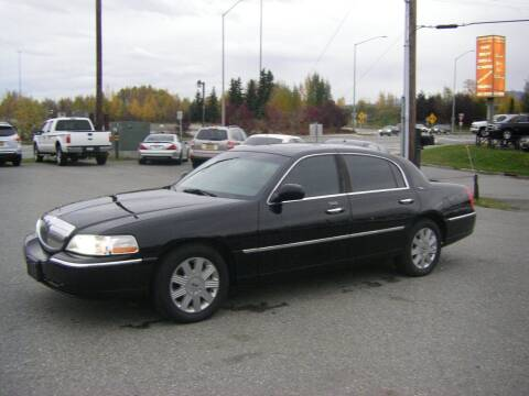 2005 Lincoln Town Car for sale at NORTHWEST AUTO SALES LLC in Anchorage AK