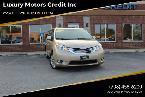 2011 Toyota Sienna for sale at Luxury Motors Credit Inc in Bridgeview IL