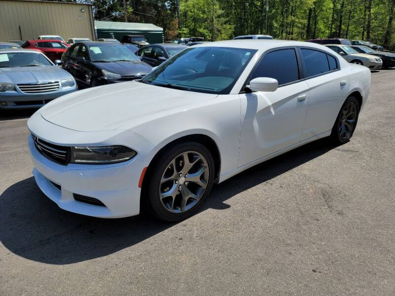 2015 Dodge Charger for sale at GEORGIA AUTO DEALER, LLC in Buford GA